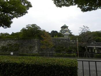 極楽橋と天守閣.jpg
